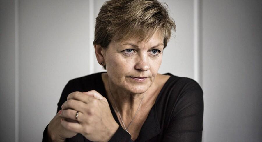 Miljø- og fødevareminister Eva Kjer Hansen (V) afviser blankt kritikken af, at hun skulle være styret af Bæredygtigt Landbrug.