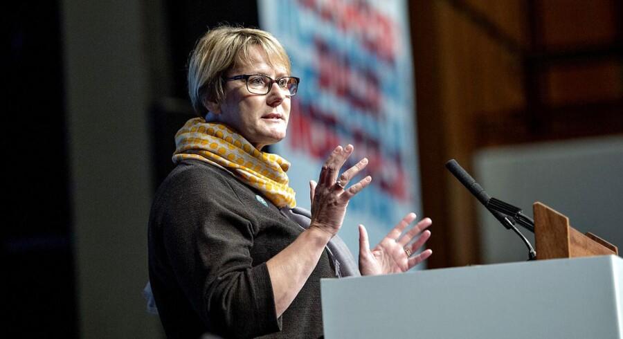Dagpengekommissionen arbejder med flere forskellige modeller, som skal bløde op for de strenge krav for genoptjening af dagpenge, siger medlem af kommissionen og FTF-formand Bente Sorgenfrey.