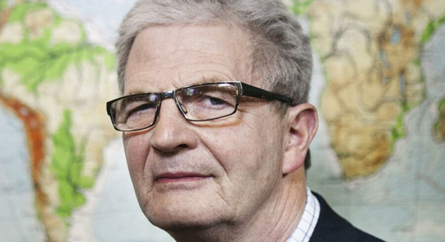 Udenrigsminister Holger K. Nielsen i Udenrigsministeriets lokaler på Christianshavn.