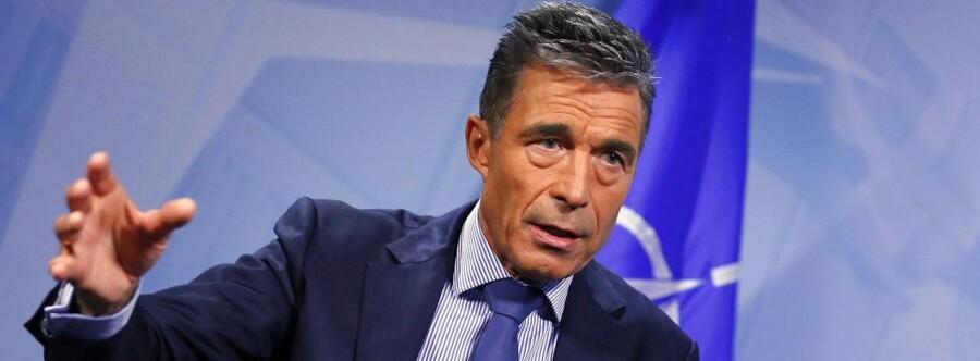NATOs generalsekretær Anders Fogh Rasmussen fordømmer den russiske konvoj, der er kørt ind i Ukraine.