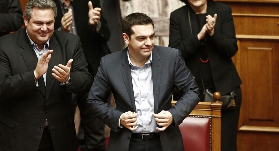 Den græske premierminister Alexis Tsipras vinder mistillidsafstemning kort før afgørende EU-topmøde, hvor en ny hjælpepakke til det nødlidende middelhavsland skal diskuteres.