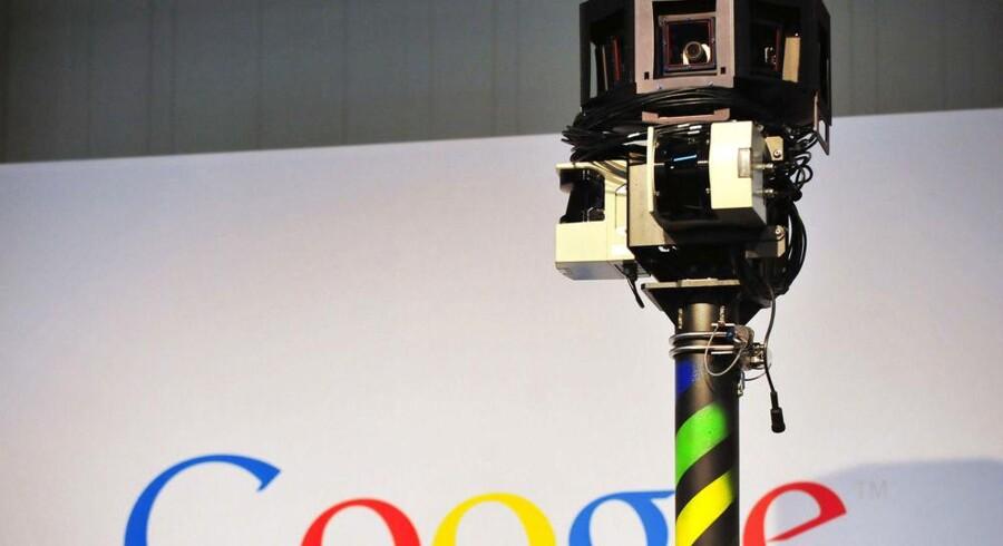 Med de karakteristiske 360-graderskameraer har Googles fotovogne pløjet også Danmark tyndt - men har samtidig ulovligt aflyttet åbne, trådløse net. Arkivfoto: Scanpix