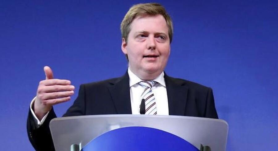 Islands statsminister David Gunnlaugsson kalder situationen omkring virksomhedernes gæld til udlandet meget bekymrende.