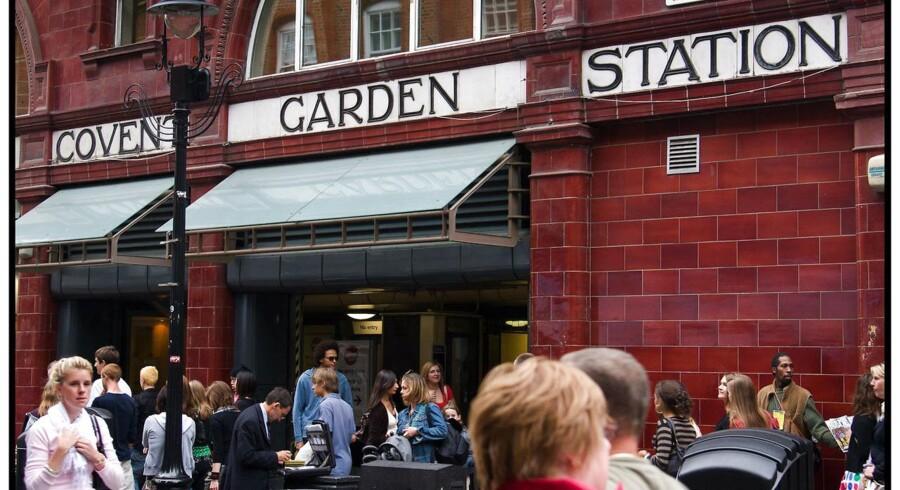 Den guidede tur går forbi Covent Garden Station.
