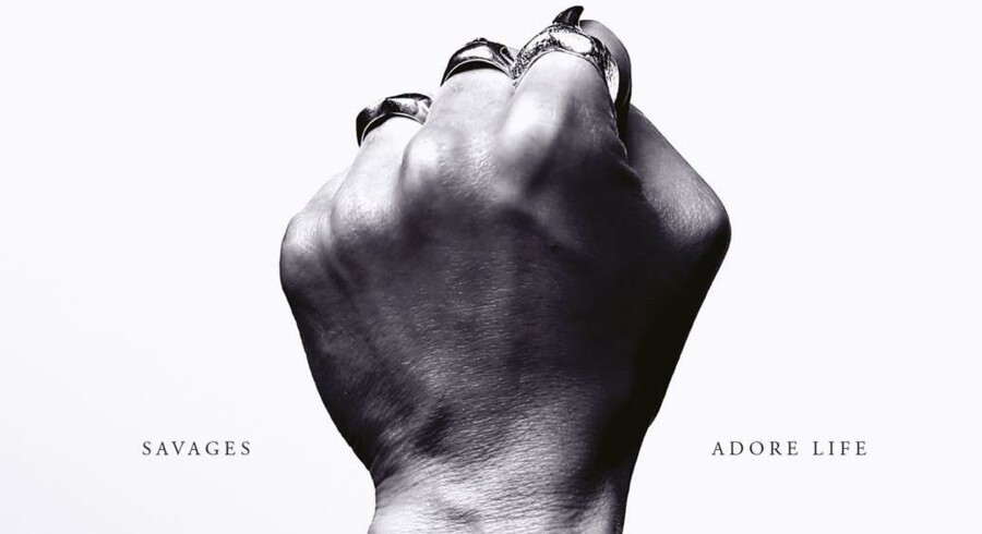 Savages: »Adore Life«