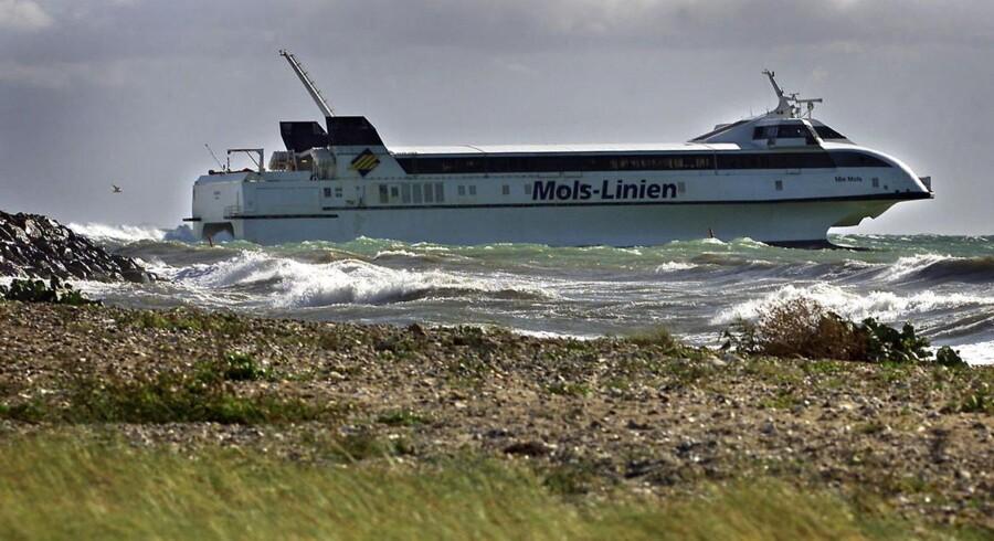 Mols-Linien sejler igen med en aktiekurs, der ligger et stykke over kapitalfonden Polaris' bud på selskabet.