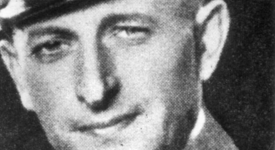 Billedet her viser den unge Eichmann i nazi-uniform.