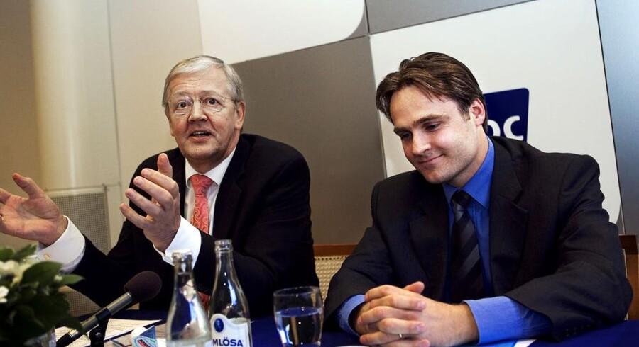 Kurt Björklund (til højre) fra kapitalfonden Permira, da købet af TDC blev offentliggjort sidst i 2005, sammen med daværende koncernchef i TDC, Henning Dyremose. Foto: Erik Refner, Scanpix
