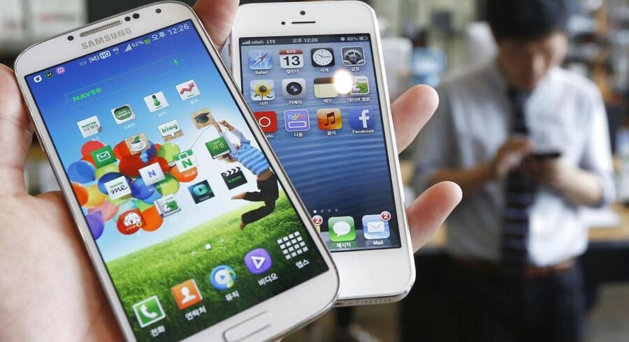 Samsung vil i april lancere næste generation af selskabets Galaxy-telefon, Galaxy S5. Telefonen vil blandt andet være udstyret med en iris-scanner, i stil med den nye iPhones fingeraftrykslæser. Foto: Scanpix