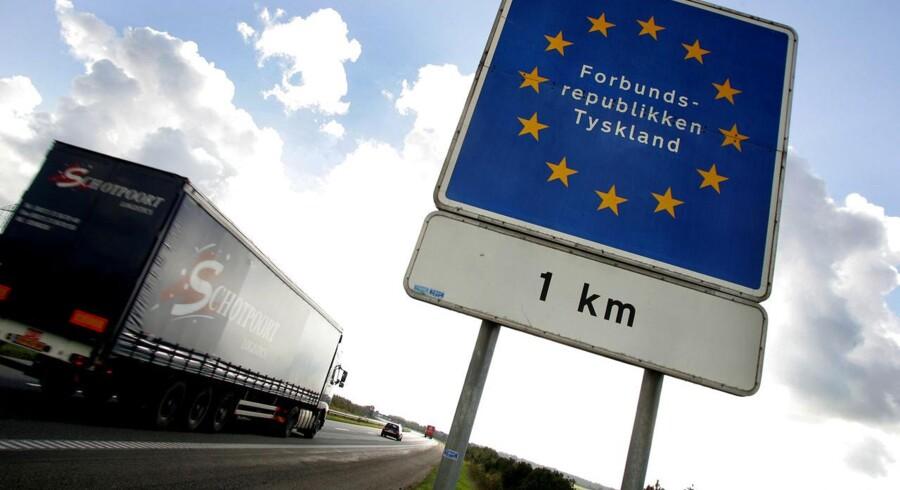 Et stigende tysk privatforbrug og den laveste arbejdsløshed siden genforeningen i 1991 fungerer som en motor for de danske selskaber, der forventes at øge eksporten til landet med 5 pct. næste år.