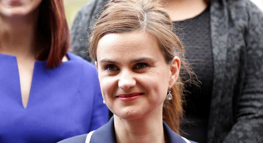 Den 41- årige britiske parlamentariker Jo Cox er død.