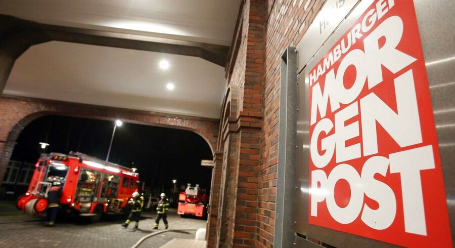 Brandmænd igen med at stoppe branden ved Hamburger Morgenpost.