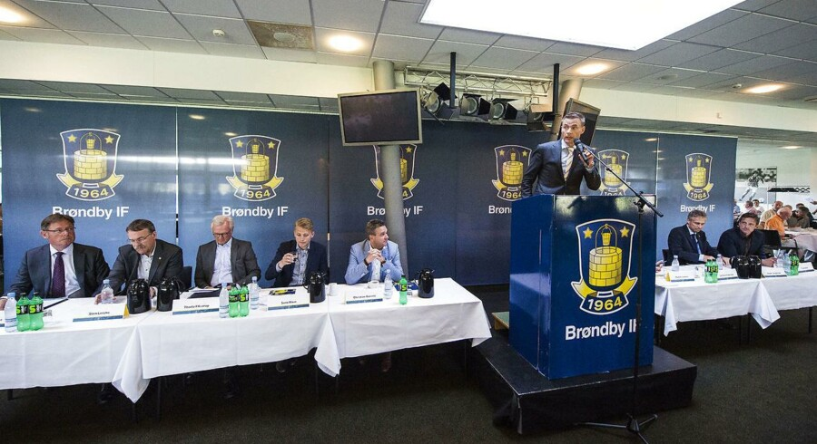 Ordinær Generalforsamling i Brøndby IF. Jan Bech Andersen, afgående bestyrelsesformand Brøndby IF, med Sten Lerche, Thorleif Krarup, Sune Blom Christian Barrett, Jesper Jørgensen og Troels Bech