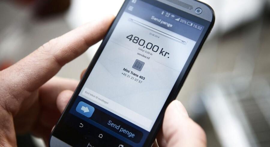 Arkivfoto. DSB har indgået et samarbejde med Danske Bank, så passagerer fremover kan købe togbilletter via MobilePay, som er en betalings-app til smartphones.