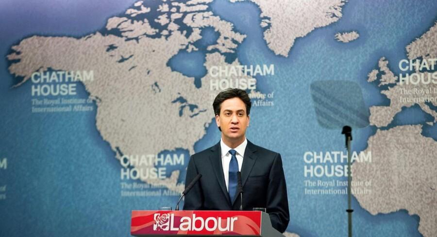 Labours leder, Ed Miliband, nævnte faktisk EU i sin udenrigspolitiske tale fredag. Men det var hurtigt overstået og fik heller ikke megen opmærksomhed. EU har i det hele taget ikke fyldt ret meget i den britiske valgkamp, hvor end ikke UKIP har benyttet lejligheden til at lufte sin klare EU-modstand.