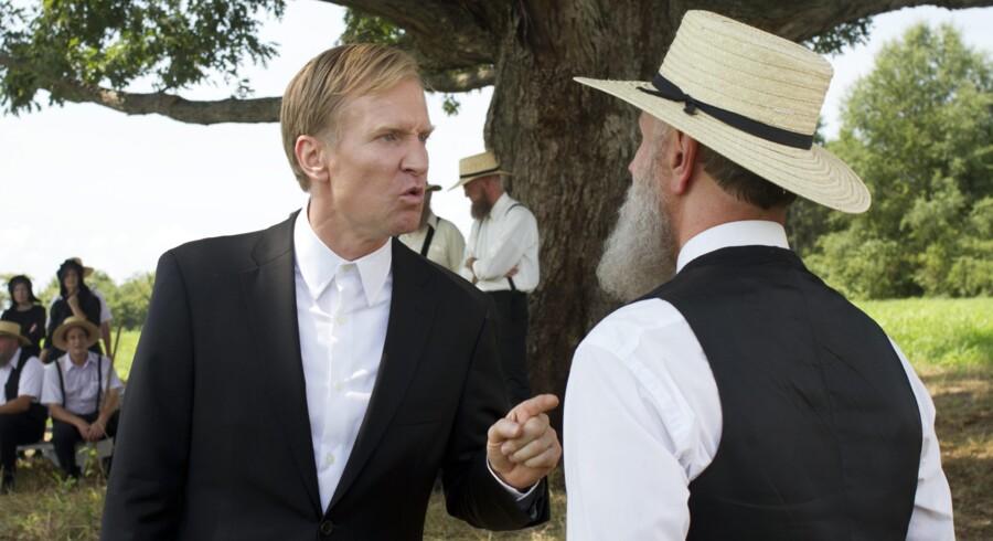 Ulrich Thomsen styrer i rollen som forretningsmanden Kai Proctor slagets gang i amish-byen Banshee ?i TV-serien af samme navn.  En grænsesøgende HBO-produktion, som har den danske skuespillers landsmand Ole Christian Madsen som medinstruktør.