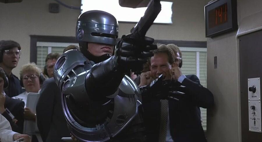 I den oprindelige udgave af Robocop fra 1987 gemmer skuespilleren Peter Weller sig under den mekaniske krop. Dengang virkede filmens univers som fjern fiktion, mens den i dag kommet tættere på virkeligheden.