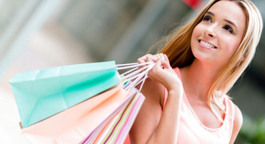 En Nykredit-analyse prikker til myten om kvinder som ubekymrede shopaholics.