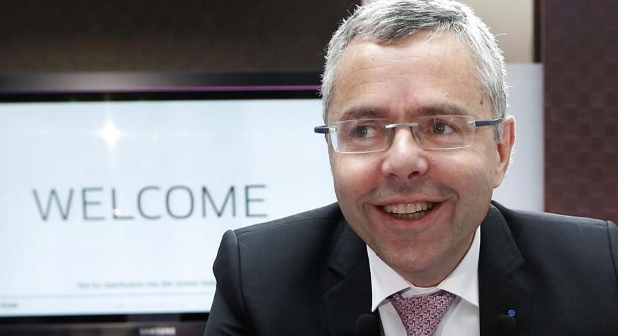 Alcatel-Lucents nye topchef, Michel Combes, tror på en fremtid for det gældsplagede selskab, som nu skal satse på at blive specialister. Foto: Charles Platiau, Reuters/Scanpix