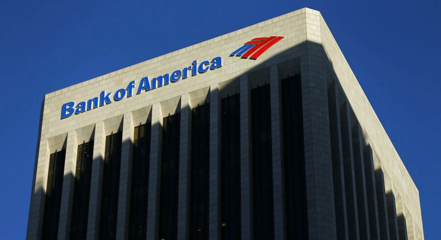 The Bank of America building is shown in Los Angeles, California in this October 29, 2014 file photo. Bank of America Corp reported a 14 percent fall in quarterly profit, largely due to lower revenue from fixed-incoming trading. REUTERS/Mike Blake/Files (UNITED STATES - Tags: BUSINESS LOGO)