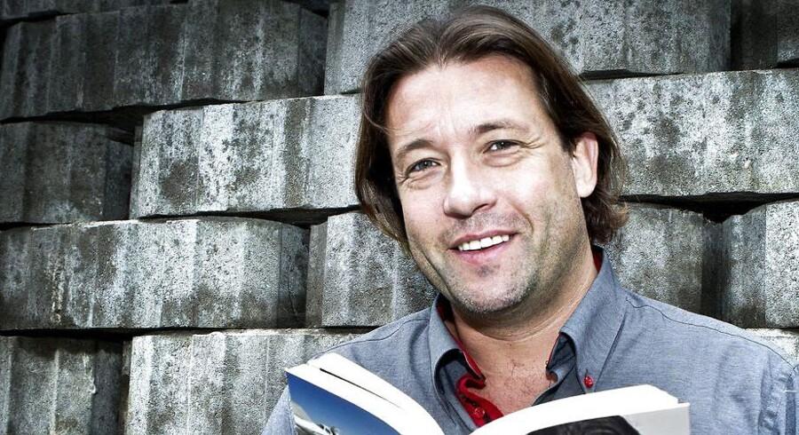 Dating.dk-stifteren flytter bopælen tilbage til Danmark efter flere år i udlandet og har netop færdiggjort sit jurastudie, som han begyndte på i 1996.