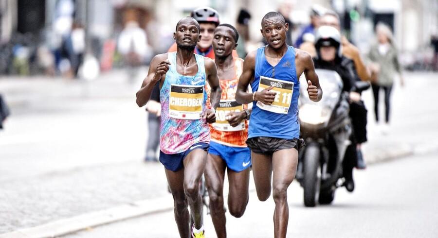 Søndag d. 17. september 2017 blev der løbet Copenhagen Half Marathon 2017. Mere end 20.000 deltog, men hurtigste løber blev Abraham Cheroben i tiden 58.40. Her ses han forrest, foran nummer to og tre.