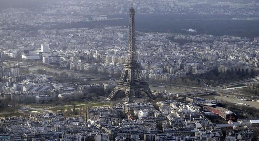En række mystiske droner er blevet spottet flere steder i Paris.