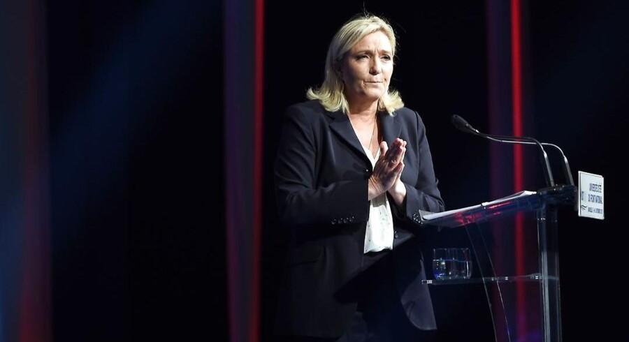 Marine Le Pen har fået ekskluderet sin far, fordi han er for rabiat til partiet - men er hun selv i virkeligheden lige så slem?