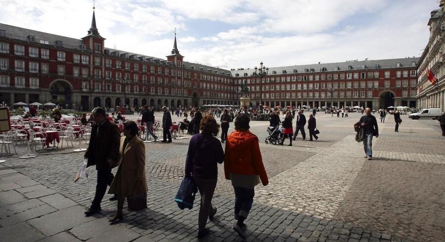 Spanien er ved at rulle en stor skattereform ud, som over de kommende år vil sænke skatten på både selskaber og almindelige indkomster.