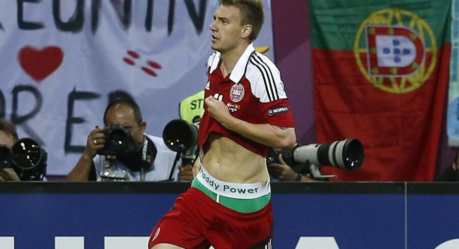 UEFA tolererer ikke, når spillere tager markedsføring i egen hånd, og derfor har de givet Nicklas Bendtner en bøde på 750.000 kroner.