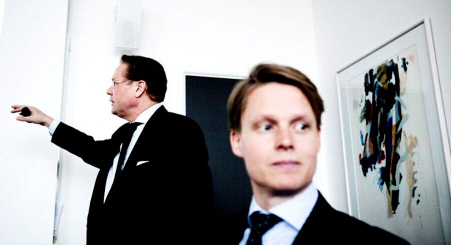 TDCs nye ledelse med koncernfinansdirektør Jesper Ovesen (til venstre) og Henrik Poulsen (forrest) fortsætter investeringerne i den danske infrastruktur. Foto: Mads Nissen, Scanpix
