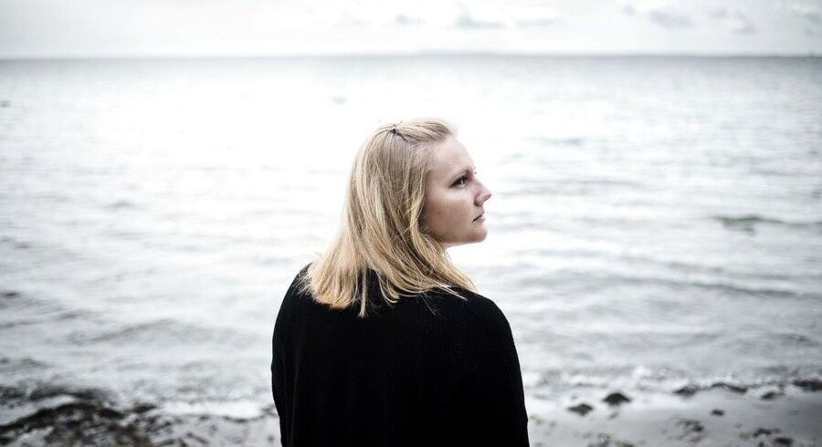 Line Blichfeldt Jensen er en af de fire elever, der har fået tildelt Medaljen for Ædel Daad, som er meget sjælden fortjenstmedalje. Hun svømmede i land i det iskolde vand og slog alarm, da en båd for fire år siden på efterskolen i Lundby kæntrede på Præstø Fjord. Fotograferet i Rødvig fredag den 24. juli 2015.