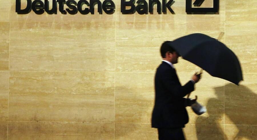 De ansatte i investeringsafdelingen i Deutsche Bank har på godt dansk fået en skideballe af chefen for vulgær kommunikation.