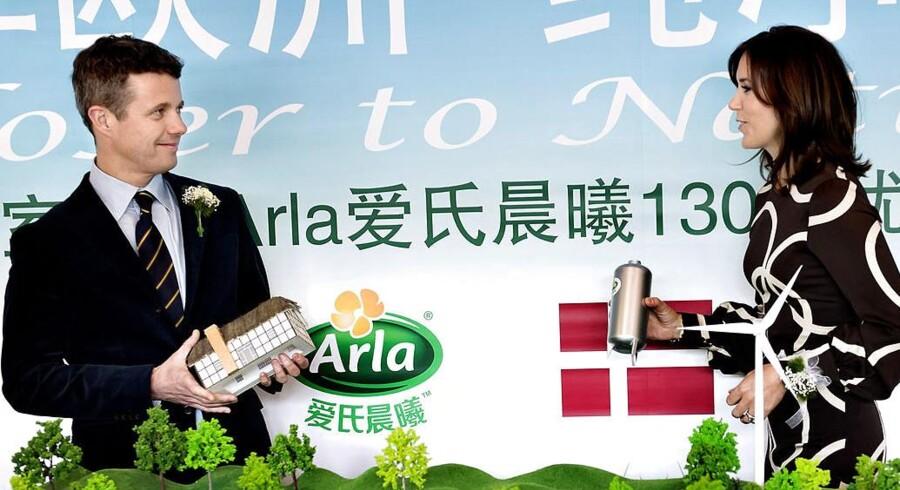 Kronprinseparret deltog i 2012 i et marketingsevent, som bl.a. skulle øge eksporten af danske mejeriprodukter til Kina. Nu regner Arla med et salg på 700 mio. kr. i 2017.