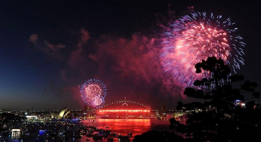 Fyrværkeri over Operahuset i Sydney, som fandt sted få timer før nytårsskiftet.