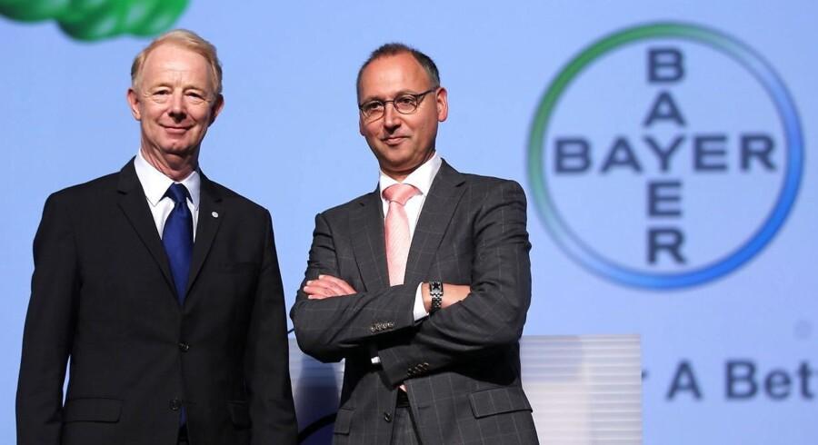 Den tyske kemikoncern Bayer overvejer at afgive et bud på 40 mia. dollar for den amerikanske konkurrent Monsanto. Bliver opkøbet til virkelighed vil det skabe verdens største leverandør af såsæd og landbrugskemikalier.
