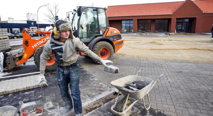 Byggeri-branchen er langt fra optimistiske for den umiddelbare fremtid, og Dansk Byggeri ser især byggeriet have det svært udenfor Aarhus og København. Foto: Jørgen Kirk/Scanpix.
