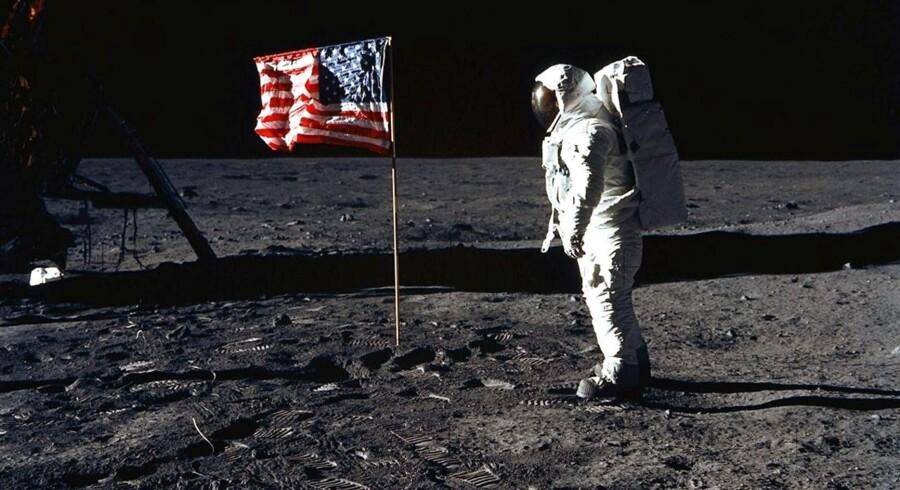 I dag er det præcis 45 år siden, at Apollo 11 landede på månen. Her er samlet en række billeder fra en af historiens helt store opdagelsesrejser.