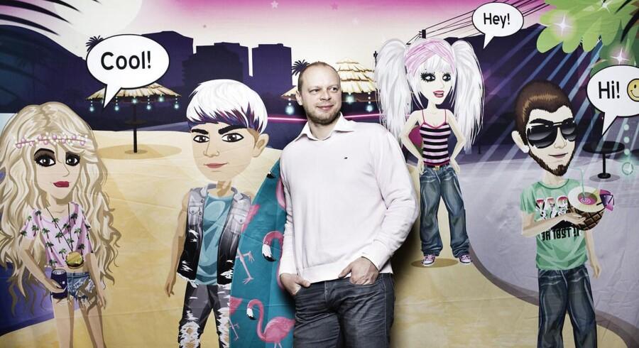 For at fortsætte vækstsuccessen vil MovieStarPlanet kigge mere på muligheden for at udvide produktlinjen, der lige nu tæller blade, t-shirts, makeupsæt og andre merchandise. Det forklarer administrerende direktør i firmaet Claus Lykke Jensen.