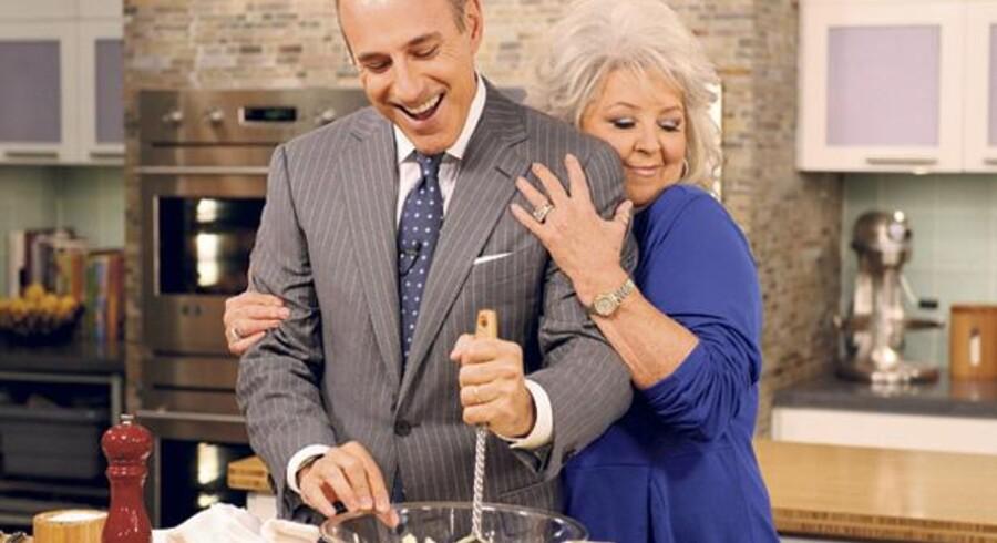 Paula Deen giver gode råd om madlavning med masser af mad og fløde på et af de populære amerikanske TV-show »Today«.