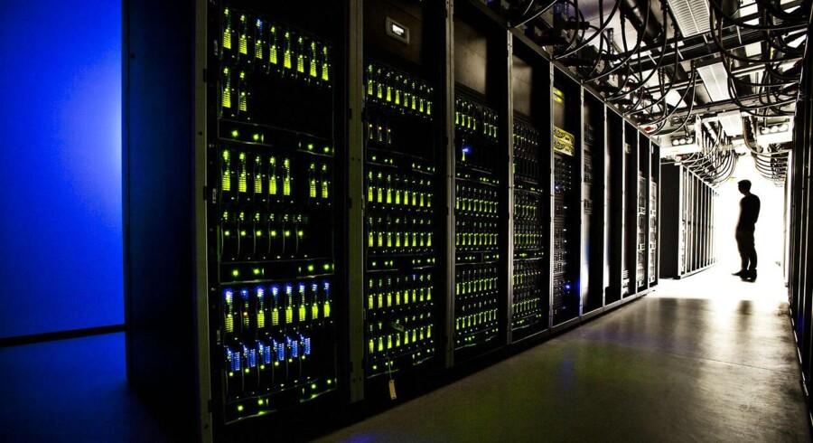 Hos TDCs datacenter i Valby er der tre store nedkølede serverrum med adskillige servere, der servicerer store dele af den offentlige sektor. Trods den store indsats finder mange danskere det bøvlet at være i digital kontakt med det offentlige. Arkivfoto: Dennis Lehmann