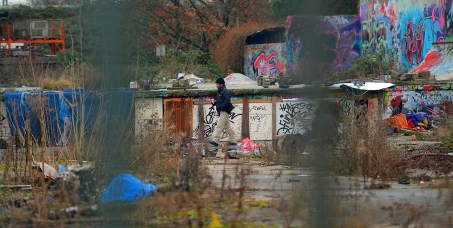 En gruppe rumænere har bosat sig på en nedlagt industrigrund i Frankfurt, Tyskland. Siden 1. januar har rumænere og bulgarere frit kunnet flytte til resten af EU for at søge arbejde.