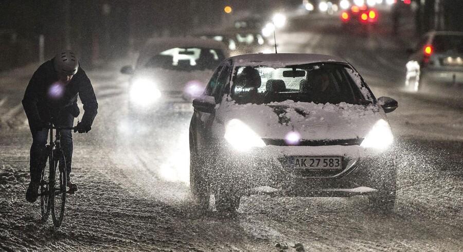 Sne og trafik i Aalborg området fredag morgen d. 8. januar 2016. Den varslede snestorm er nu afblæst af DMI. (Foto: Henning Bagger/Scanpix 2016)