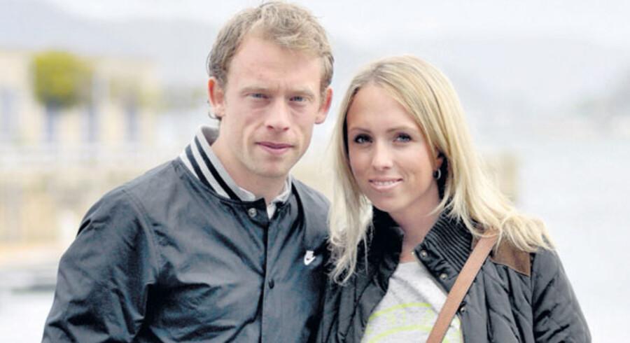 Den danske landsholdsspiller Michael Krohn-Dehli spiller til daglig for den lokale fodboldklub, Celta Vigo. Han og kæresten Kelly er begge superglade for at bo i den nordspanske by.