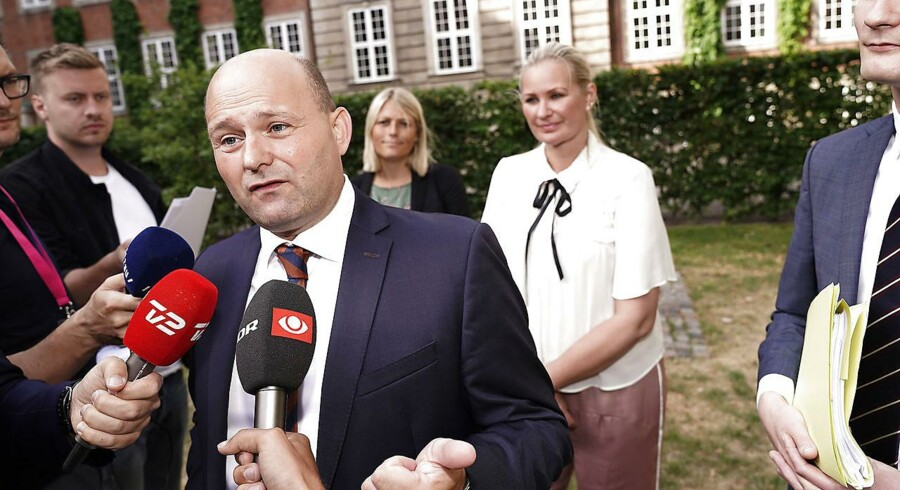Justitsminister Søren Pape Poulsen (K) præsenterer nyt ungdomskriminalitetsforlig foran Justitsministeriet fredag 29. juni 2018.