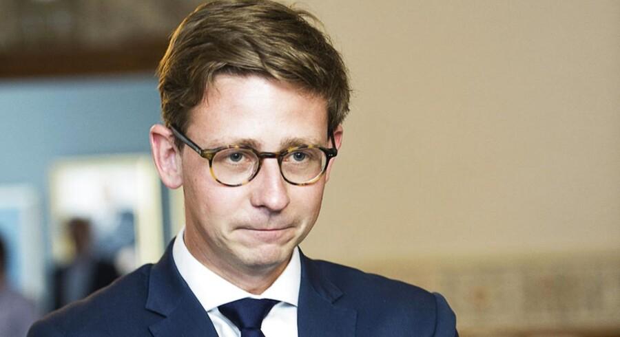 Skatteminister Karsten Lauritzen afventer fortsat den undersøgelse, som Skat har sat i værk.