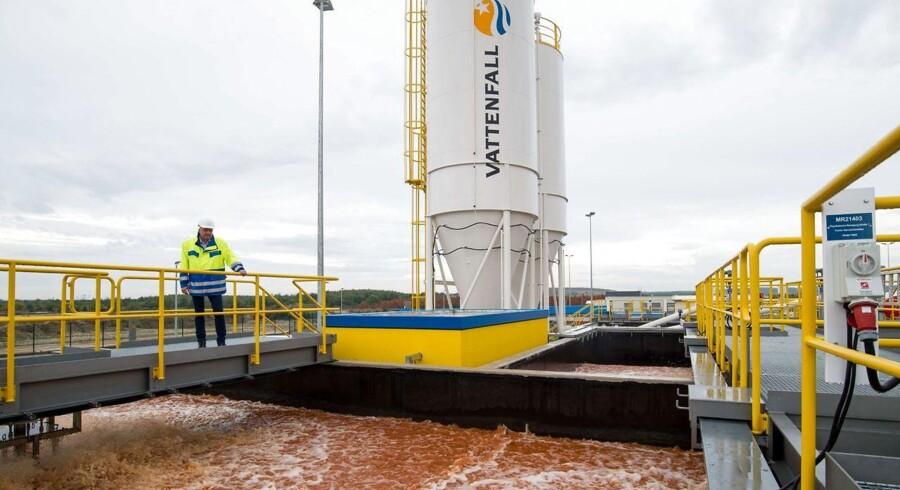 Vattenfall forsøger i øjeblikket blandt andet at vinde udbuddet om opførelsen af 400 megawatt havvind til Horns Rev 3 i Vesterhavet. DONG Energy har også budt ind på opgaven.