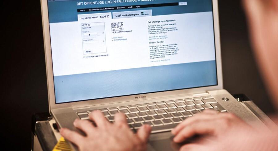 Fra november må danskerne have deres Nem-ID frem, hvis de vil læse papirer fra det offentlige gennem E-Boks.