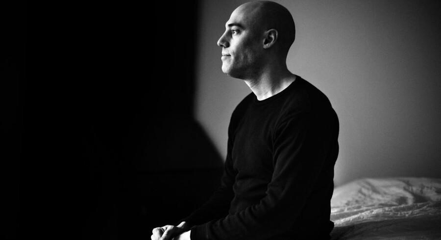 Dokumentarfilm-instruktør Joshua Oppenheimer fotograferet i hans hjem på Islands Brygge. Joshua Oppenheimer har instrueret filmene The Act of Killing og The Look of Silence.