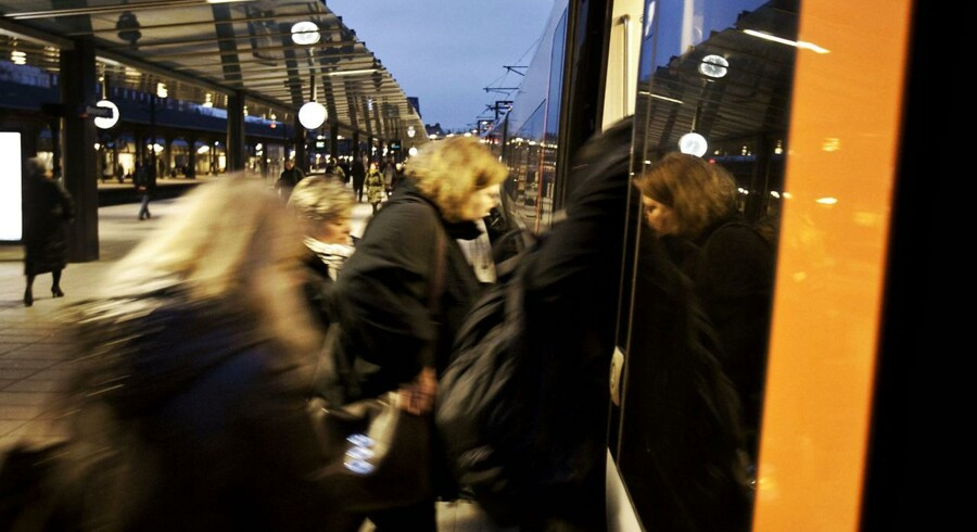 Stormen Gorm skaber problemer for togtrafikken.